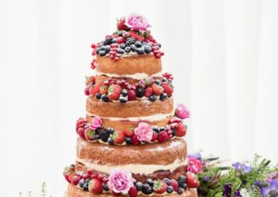 mariage-naked-wedding-cake-e1439282312909